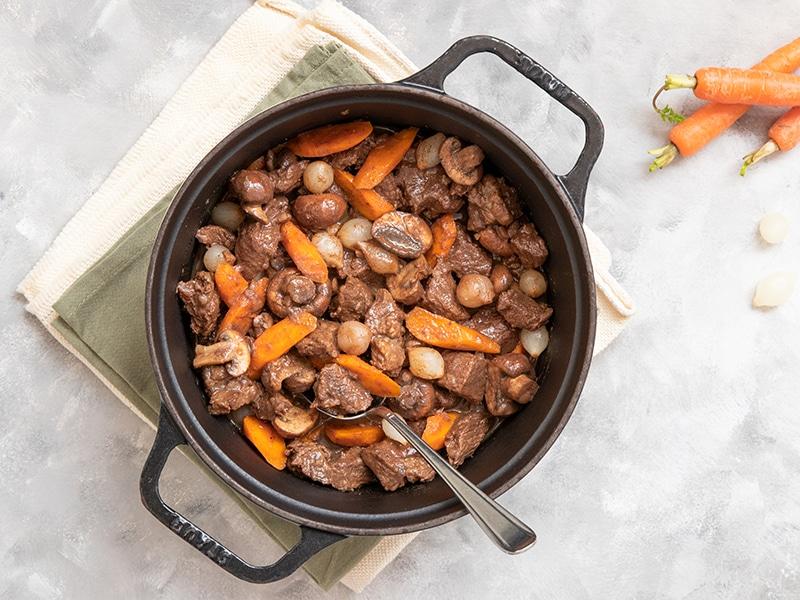 Recept voor runderstoof met bospeen en ontbijtkoek