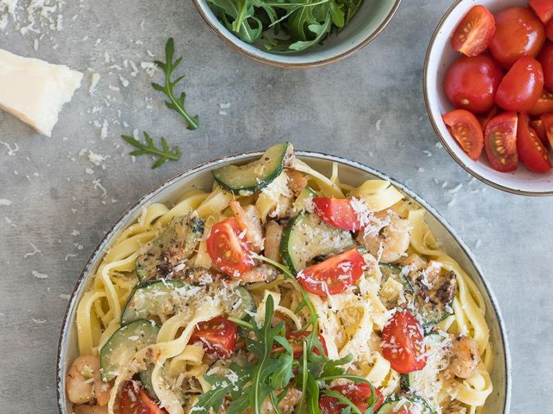 Recept voor tagliatelle met garnalen, courgette en cherrytomaten