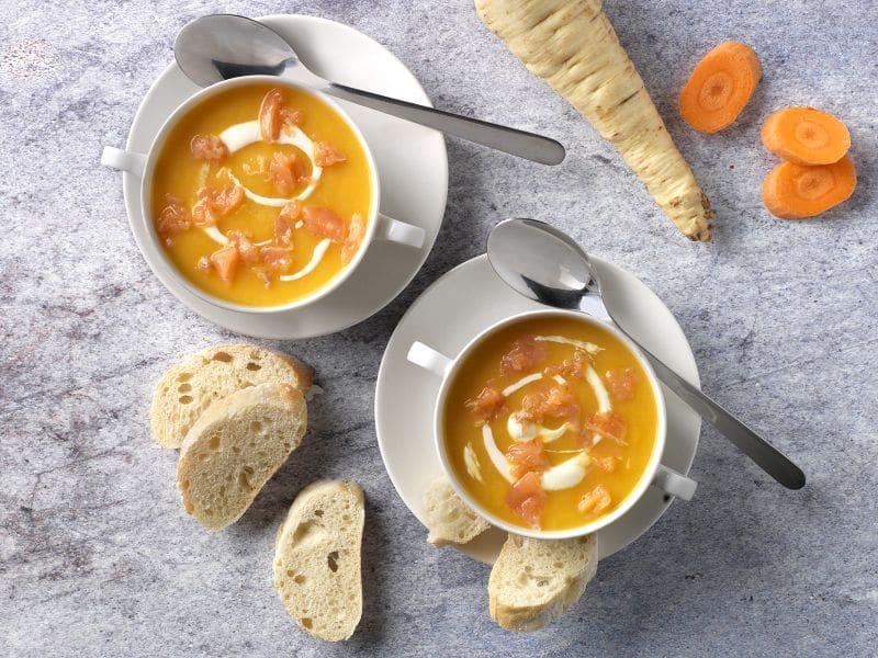 Recept pastinaak-wortelsoep met zalm