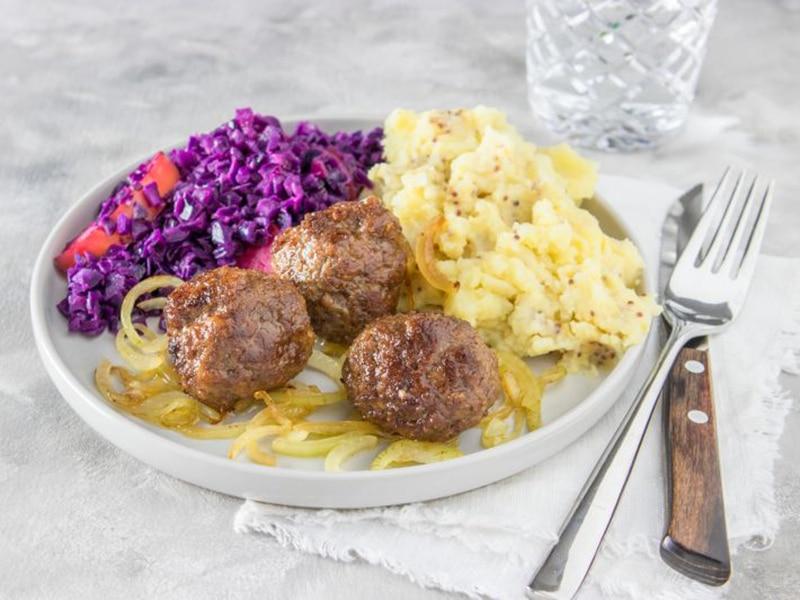 Recept voor rode kool met aardappelpuree en gehaktballen