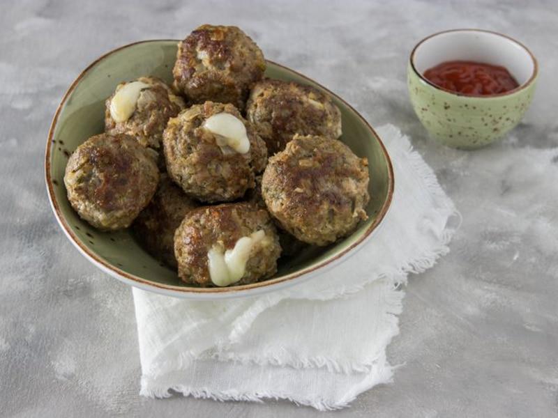 Recept voor met mozzarella gevulde gehaktballetjes