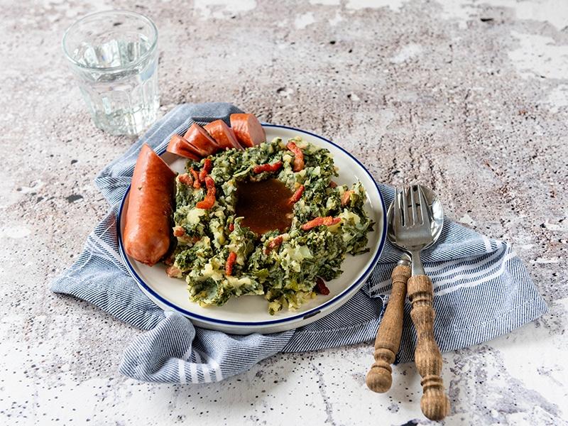 Recept voor boerenkool met worst, spekjes en jus