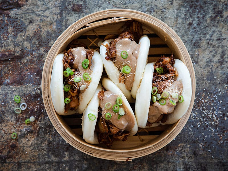 Recept voor Bao bun met pulled jackfruit en kokos-satésaus